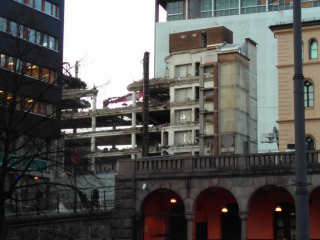 Tearing down the old government headquarters